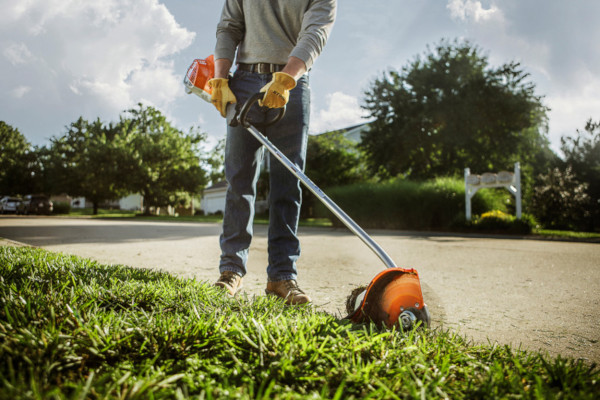 Stihl | Edgers | Professional Edgers for sale at Powerland Equipment Inc.